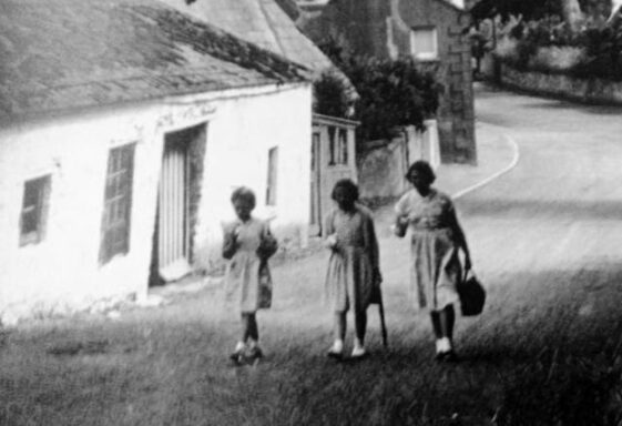 Heading home up Bellevue Hill circa 1958
