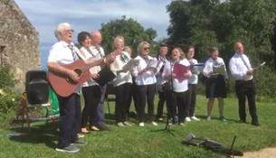 Canadh le Cheile singing group hugely  entertaining the Heritage Day audience | Image by Dave O'Reilly