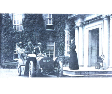 Mrs. Somervile at the steps of Clermont House, with guests, 1920 | Photo: Courtesy of Mr. Bill Somerville