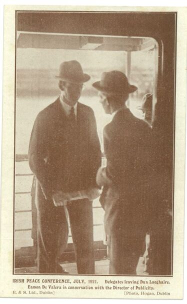 Delegates leaving Dun Laoghaire, July 1921.  Eamon De Valera in conversation with the Director of Publicity (Barton Collection, WLAA/PP1) | Wicklow County Archives