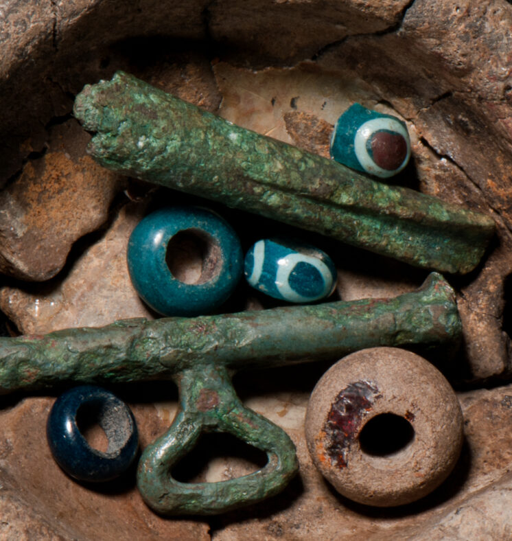 Jewellery and glass bead artefacts | UCC Archaeology