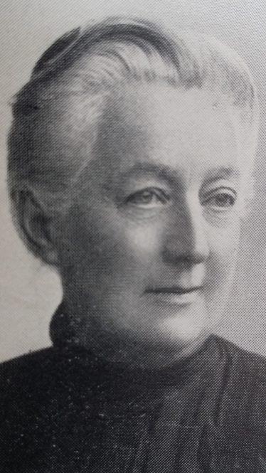 Elise Sandes, c.1915