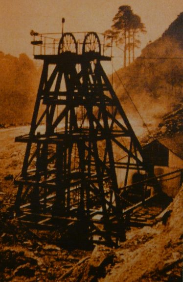 Ballygahan Headframe in 1959 West Avoca | Geological Survey of Ireland 1998