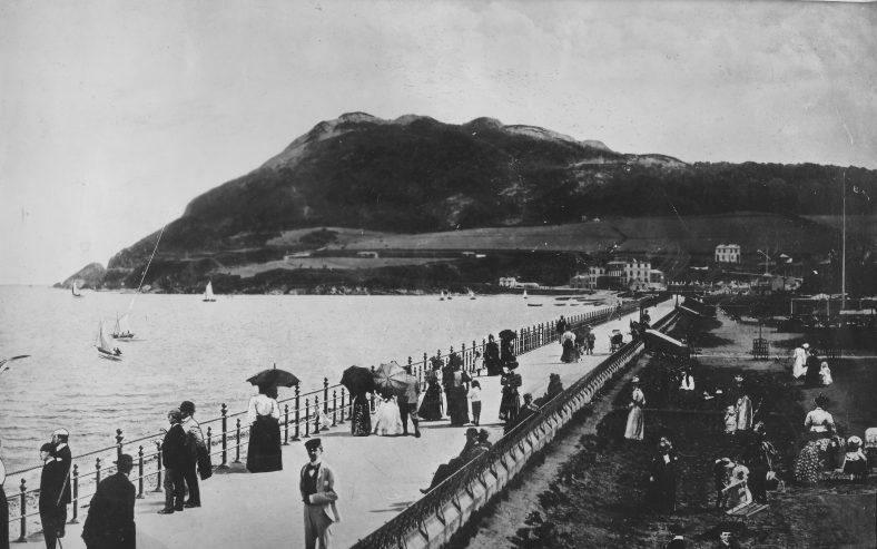 Bray Esplanade c.1900   Photo: Wicklow County Library