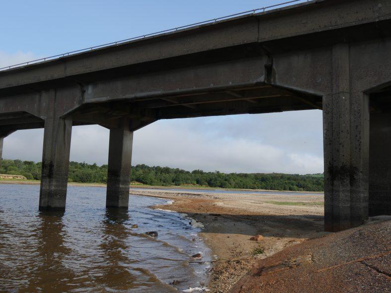 Valleymount bridge during drought