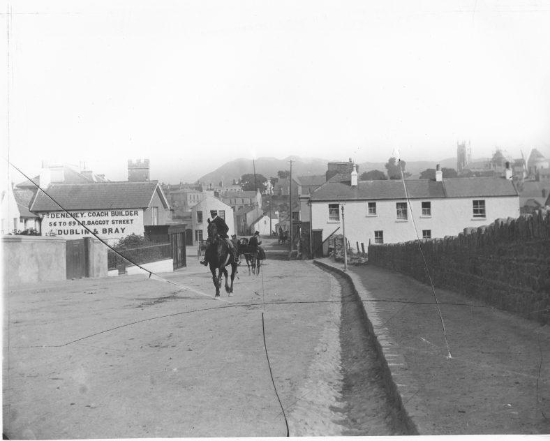 Castle Street, looking towards the town in 1910