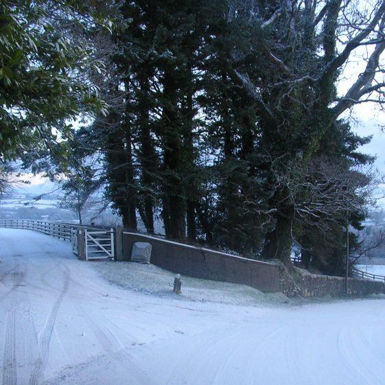 Entrance to Ballybeg House - snowscene | Ballinglen Developmemnt Committee