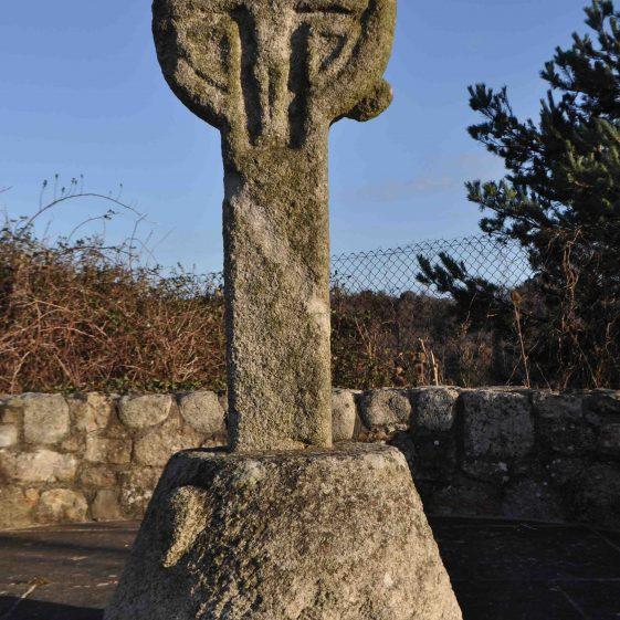 12th century cross at Fassaroe near Bray   Christiaan Corlett