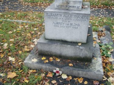 Lizzie Le Blond's grave, Brompton Cemetery, London | Photo taken by the author, 9 November 2013