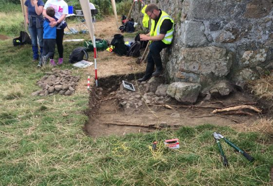 Introduction to excavations at Raheen a Cluig