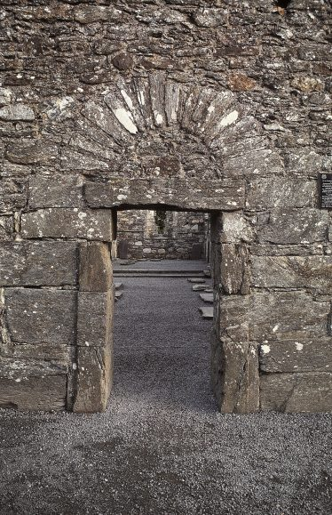 6. An exterior view of the west doorway (J. Scarry). | Courtesy of Con Manning & Wordwell Publishing