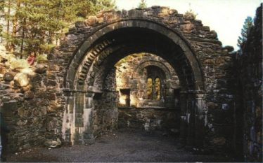 The reconstructed Romanesque chancel arch of St Saviour's Priory. | Courtesy of Con Manning, Archaeology Ireland and Wordwell Publishing