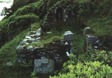 Temple-na-Skellig | Courtesy of Con Manning, Archaeology Ireland and Wordwell Publishing