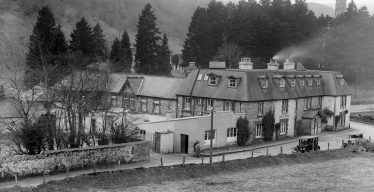 Hotel with new roof | Courtesy of the National Library of Ireland
